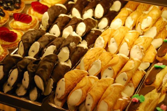 Cannolis de la Ferrara Bakery - viaje a nueva york