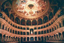 interior del teatro - ópera de budapest