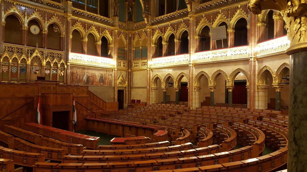 Cámara parte del recorrido del tour del parlamento de budapest